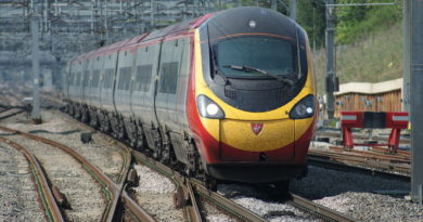Pendolino at Milton KeynesCentral
