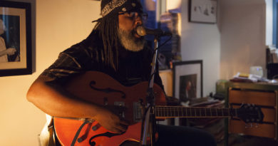 Alvin Youngblood Hart in Concert - Brailes